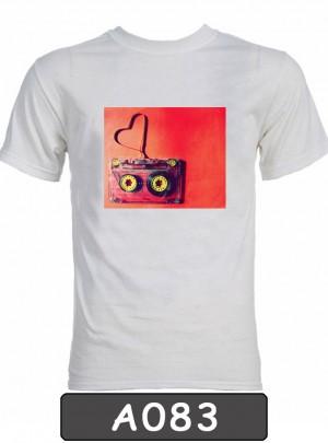 Remera estampada Cassette. A083